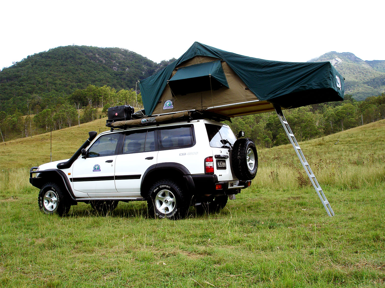Various Uses Of Roof Top Tent Racks To Uplift Your Camping Experience